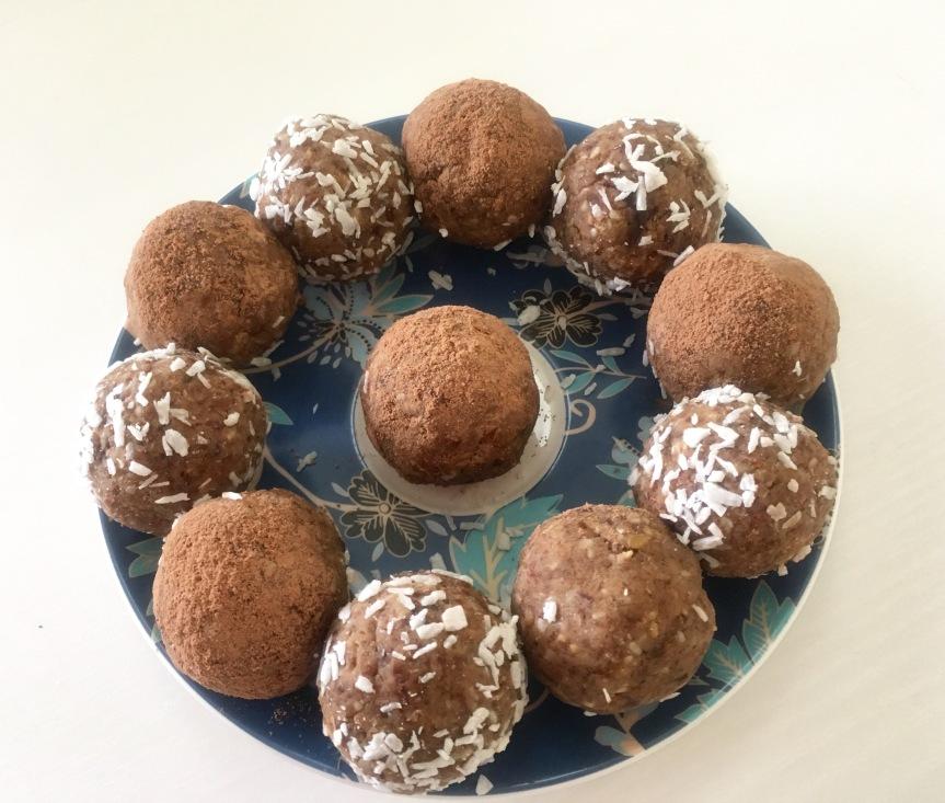 Healthy Almond, Raisin & MulberryTreats