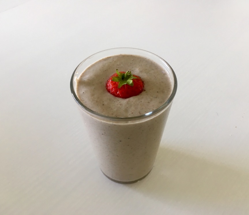 Light & Summery Strawberry & Banana Smoothie